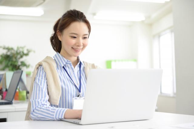 職場で働く女性